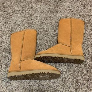 Brand new tall Uggs boots - w/out box